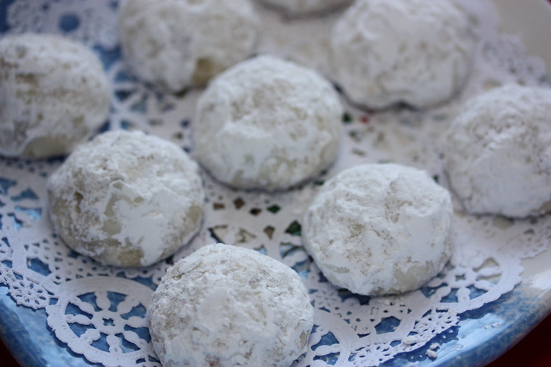 Snow Ball Cookie Recipe Perfect for A Cold and Snowy Day
