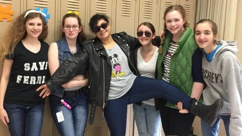 Regina students dress up in an 80's theme.