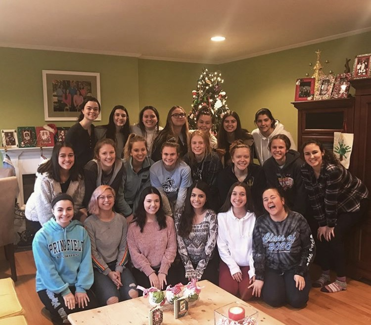 Senior McKenna Barrett Hosts Cookie Exchange For Entire Senior Class