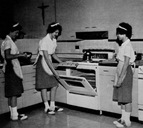 """Regina Dominican High School, Wilmette, Illinois 1963 Home Ec class"""